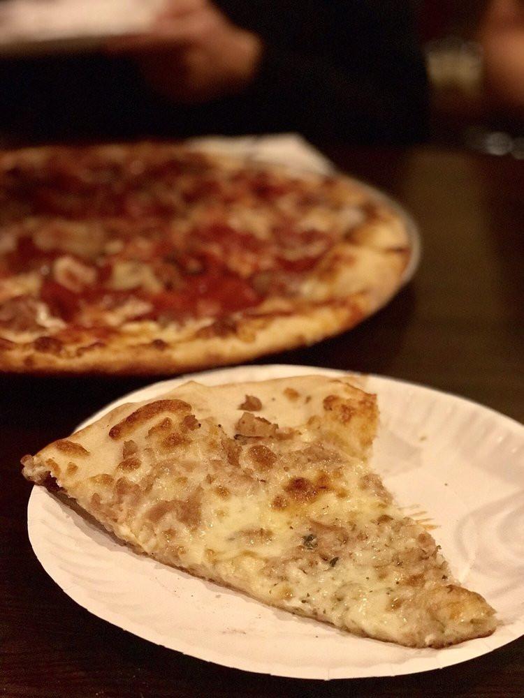 Deninos Pizzeria & Tavern - Staten Island